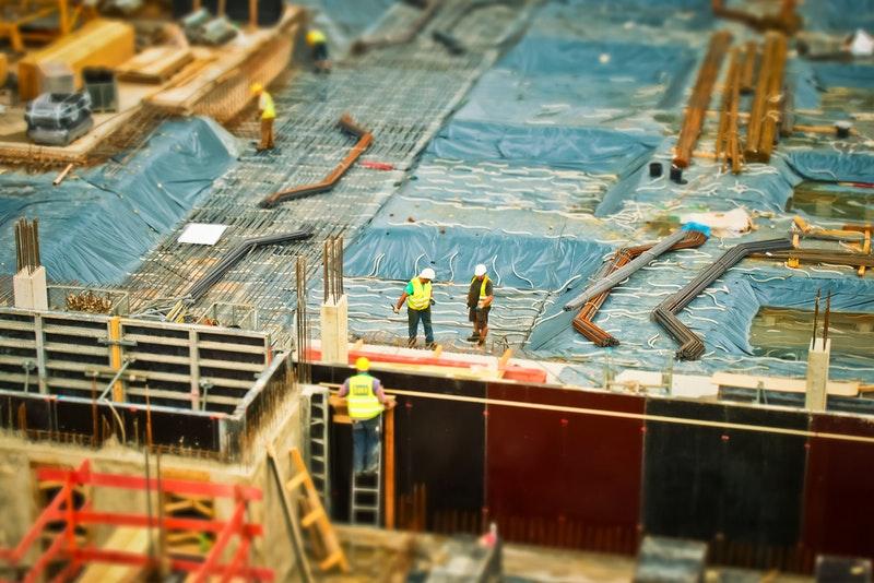 besi konstruksi bangunan